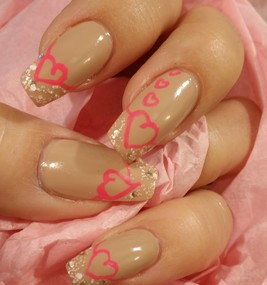 Nail Art for Valentine's Day: Pink Hearts of Love