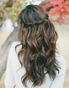 Beach wedding hairstyles for short hair ask the pro stylist beach wedding hairstyles for short hair junglespirit Gallery