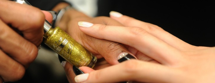 Silk Wraps Nail Salons: How to Find What You Need