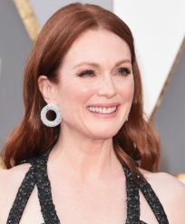 Oscar Beauty Breakdown: Get Julianne Moore's Red Carpet Look