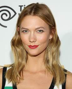 Simple Beach Waves For The Perfect Summer Look