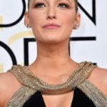 Blake Lively's hair and makeup, and overall style, were stunning at the 2017 Golden Globes. This, after giving birth only a few months ago! Get Blake Lively's hair and makeup red carpet look in today's Q&A.
